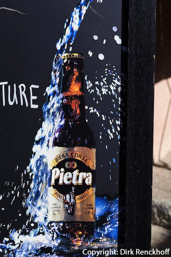 Reklame für Pietra-Bier (Aus Kastanien gebraut) in L'Ile Rousse, Korsika, Frankreich