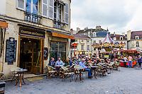 France, Burgundy, Bourgogne, Dijon. European Waterways wine barge cruising. Market in Dijon.