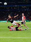 Nederland, Eindhoven, 15 september 2015<br /> Champions League<br /> Seizoen 2015-2016<br /> PSV-Manchester United<br /> Luke Shaw van Manchester United vliegt over Hector Moreno van PSV heen en moet met een blessure het veld verlaten