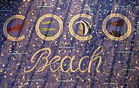 """Europe/France/Provence-Alpes-Côte d'Azur/06/Alpes-Maritimes/Nice: Mosaïque à l'entrée du """"Coco-beach""""restaurant de bord de mer"""