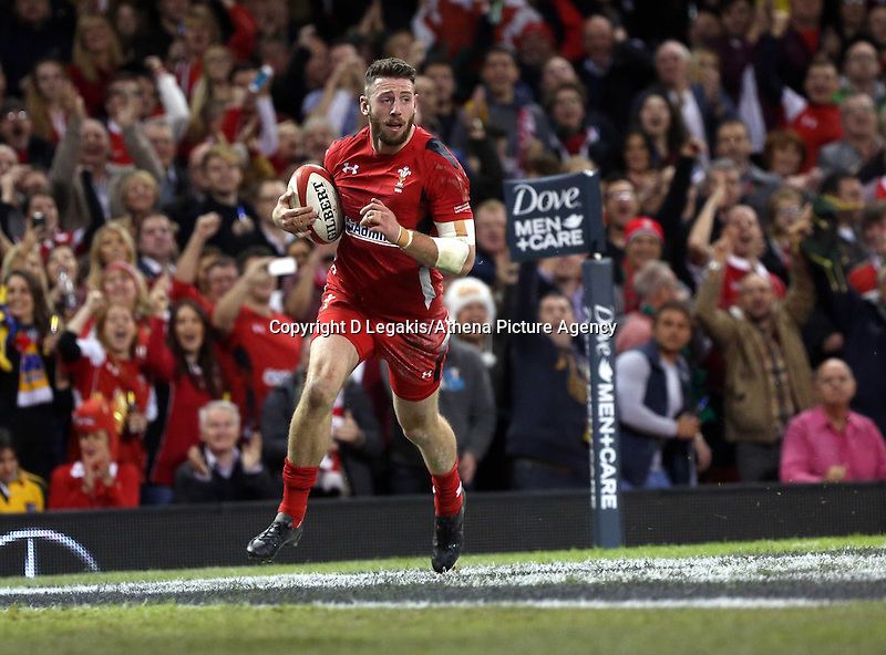 Pictured: Alex Cuthbert of Wales scores a try for his team. Saturday 08 November 2014<br /> Re: Dove Men Series rugby, Wales v Australia at the Millennium Stadium, Cardiff, south Wales, UK.