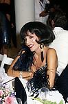 JOAN COLLINS<br /> FESTA VICTOR DANENZA - VILLA ARAUCARIA- CANNES 1988