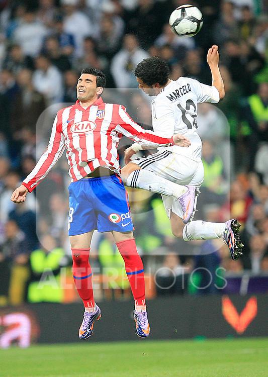 madrid (28/03/2010).- Spanish League match Real Madrid vs Atletico de Madrid. Jose Antonio Reyes and Marcelo...Photo: Cesar Cebolla / ALFAQUI