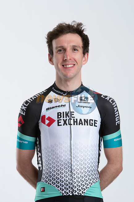 Simon Yates (GBR) Team BikeExchange men's squad potrait, Spain. 22nd January 2021.<br /> Picture: Sara Cavallini/GreenEDGE Cycling   Cyclefile<br /> <br /> All photos usage must carry mandatory copyright credit (© Cyclefile   Sara Cavallini/GreenEDGE Cycling)
