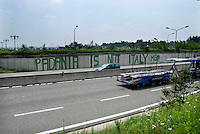 Aeroporto Malpensa, Padania is not Italy,