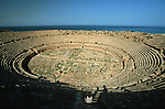 The city began as a trading port for the ancient people of Phoenicia around 1000 BC and then became part of the Roman province of Africa Proconsularis. Site de Leptis Magna, côte nord de la Lybie. Lybia