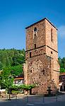 Deutschland, Rheinland-Pfalz, Pfaelzerwald, Elmstein: Kirchturmruine Appenthal | Germany, Rhineland-Palatinate, Palatinate Forest, Elmstein: village in the Palatinate Forest with Appenthal churchtower ruins