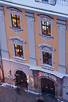 Europe/Voïvodie de Petite-Pologne/Cracovie: Maison de la Place du Marché, vue depuis le clocher de l'église Notre Dame - Vieille ville (Stare Miasto) classée Patrimoine Mondial de l'UNESCO,