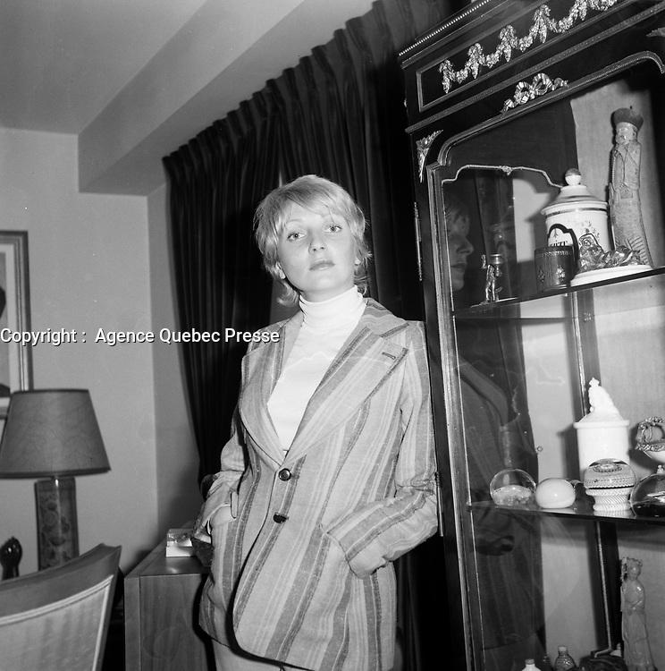La chanteuse et comedienne France Castel<br />  (date exacte inconnue)<br /> <br /> PHOTO :  Agence Quebec Presse - Roland Lachance