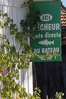 France, Gironde (33), Bassin d'Arcachon, Le Cap-Ferret, Détail cabanon des ostréiculteurs au village des pêcheurs// France, Gironde, Bassin d'Arcachon, Le Cap Ferret, Fisherman's Village, Detail of the oyster shed