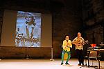 ROBERT PLANT<br /> <br /> Conception : Gaëtan Bulourde<br /> Interprétation : Gaëtan Bulourde, Valerie Castan<br /> Compagnie : Villa Lobos ASBL<br /> Musique : Fred Bigot<br /> Lumières : Sylvie Garot<br /> Robot : Cécile Guigny<br /> Cadre : Festival Uzes danse 2013<br /> Lieu : Jardin de l'Évêché<br /> Ville : Uzes<br /> 17/06/2013<br /> © Laurent Paillier / photosdedanse.com