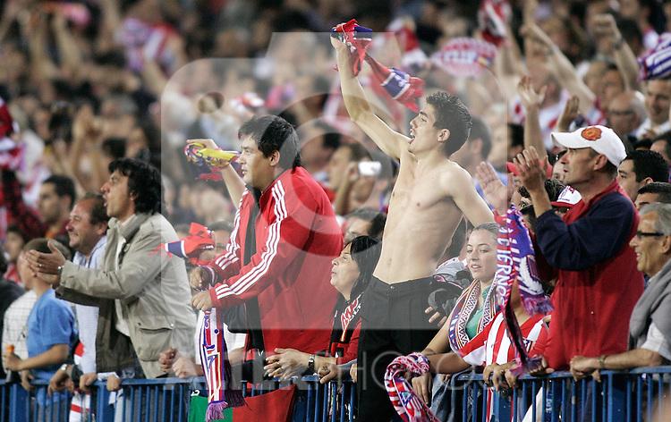 Atletico de Madrid's supporters during La Liga match. May 10, 2009. (ALTERPHOTOS/Alvaro Hernandez)