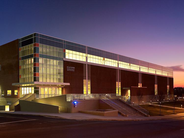 Allan Jones Aquatic Center at the University of Tennessee | Architect: HNTB