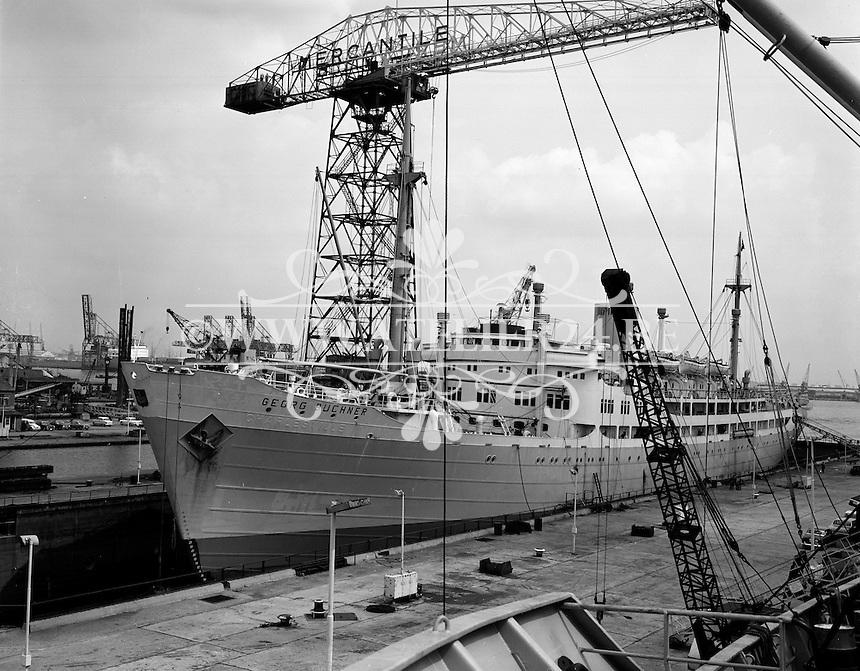 Juli 1967.  Scheepswerf Mercantile Marine Engineering in Antwerpen. Schip Georg Buchner.