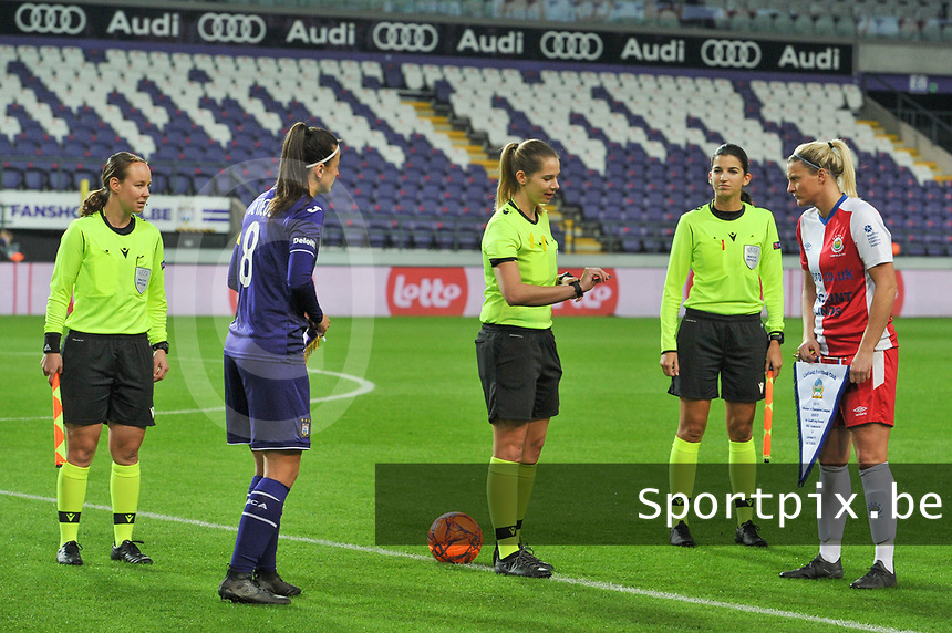 assistant referee Sabrina Keinersdorfer , referee Michele Schmolzer , assistant referee Emilie Aubry , Anderlecht midfielder Tine De Caigny (6) and Linfield defender Ashley Hutton (5) pictured during a female soccer game between RSC Anderlecht Dames and Northern Irish Linfield Ladies  in the first qualifying round for the Uefa Womens Champions League of the 2020 - 2021 season , Wednesday 4 th of November 2020  in ANDERLECHT , Belgium . PHOTO SPORTPIX.BE | SPP | STIJN AUDOOREN