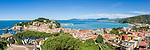 Italy, Liguria, Riviera Ligure di Levante, Sestri Levante: popular resort at Golfo Tigullio with peninsula Portobello and the small bay Baia del Silenzio | Italien, Ligurien, Riviera Ligure di Levante, Sestri Levante: beliebter Urlaubsort am Golf von Tigullien, vor der Halbinsel Portobello liegt die kleine Bucht Baia del Silenzio
