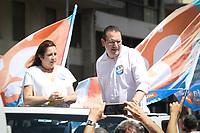 Campinas (SP), 14/11/2020 - Eleições-SP - O candidato a prefeitura de Campinas, interior de São Paulo, Rafa Zimbaldi (PL) faz campanha no Largo do Rosário, região central da cidade neste sábado (14). O ato gerou grande aglomeração de pessoas.
