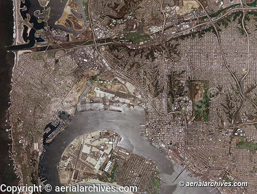 aerial photograph map, San Diego, California, 2005.  For a more recent aerial photo map of San Diego, please contact Aerial Archives