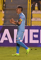 LA PAZ - BOLIVIA, 01-06-2017: Juan Arce jugador de Bolívar de Bolivia celebra después de anotar un gol a Deportes Tolima de Colombia durante partido de la primera fase, llave 16 de la Copa Conmebol Sudamericana 2017 jugado en el estadio Hernando Siles de la ciudad de La Paz, Bolivia. / Juan Arce player of  Bolivar de Bolivia celebrates after scoring a goal to Deportes Tolima of Colombia during match for the first phase, Kye 16, of the Conmebol Sudamericana Cup 2017 played at Hernando Siles stadium in La Paz, Bolivia. Photo: VizzorImage / Daniel Miranda / APG Noticias / Cont