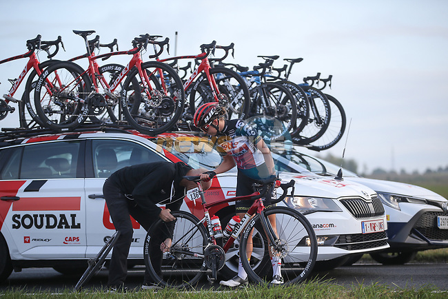 Mechanical for Jesse Vandenbulcke (BEL) Lotto-Soudal Ladies during La Fleche Wallonne Femmes 2020, running 124km from Huy to Mur de Huy, Belgium. 30th September 2020.<br /> Picture: ASO/Thomas Maheux | Cyclefile<br /> All photos usage must carry mandatory copyright credit (© Cyclefile | ASO/Thomas Maheux)