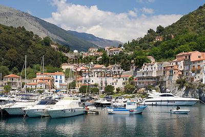 ITA, Italien, Basilikata, Hafen von Maratea: Marina di Maratea am Golf von Policastro | ITA, Italy, Basilicata, harbour of Maratea: Marina di Maratea at Gulf of Policastro