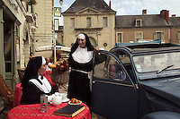 .Nuns in France. MR