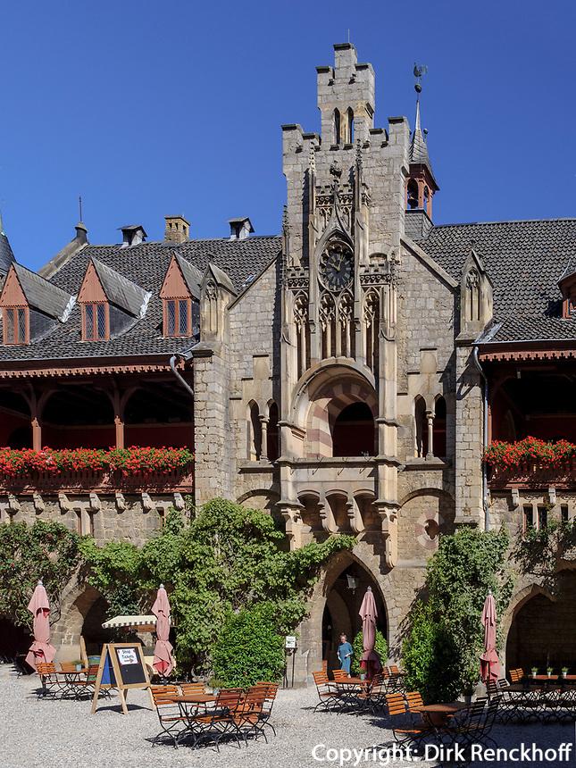 Innenhof von Welfen  - Schloss Marienburg bei Pattensen, Niedersachsen, Deutschland, Europa<br /> inner courtyard, Castle of the Welfs near Pattensen , Lower Saxony, Germany, Europe