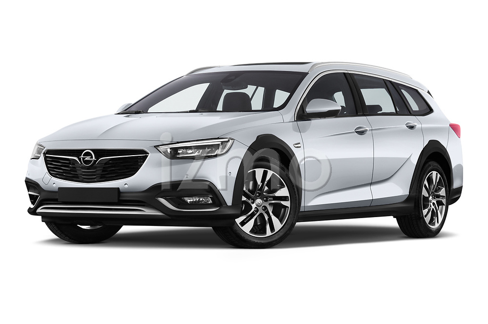 Stock pictures of low aggressive front three quarter view of a 2018 Opel Insignia Country Tourer Exclusive 5 Door Wagon