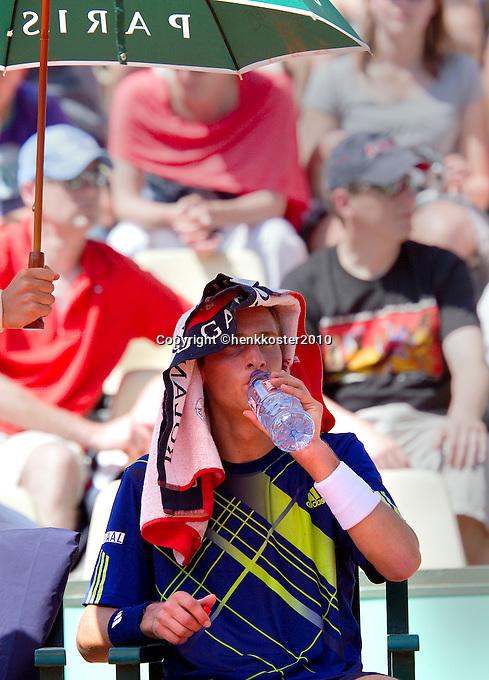 23-05-10, Tennis, France, Paris, Roland Garros, First round match, Thiemo de Bakker keeps the head cool