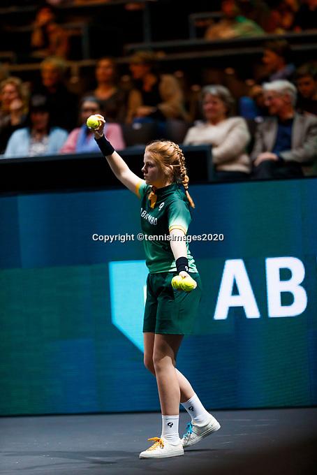 Rotterdam, The Netherlands, 12 Februari 2020, ABNAMRO World Tennis Tournament, Ahoy. Ballgirl.<br /> Photo: www.tennisimages.com