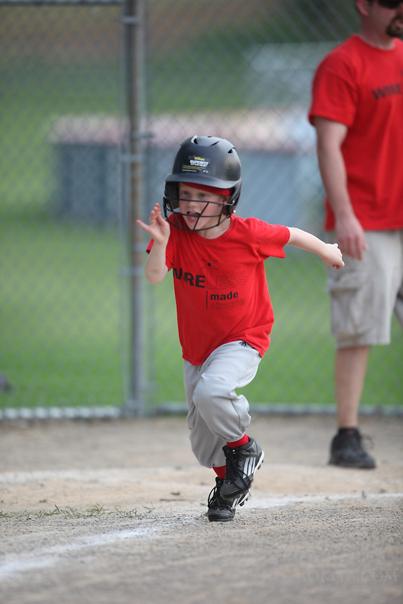 Wireless Made Simple tee ball<br /> <br /> Evan