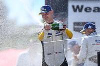 #3 Corvette Racing Corvette C7.R, GTLM: Jan Magnussen, Champagne