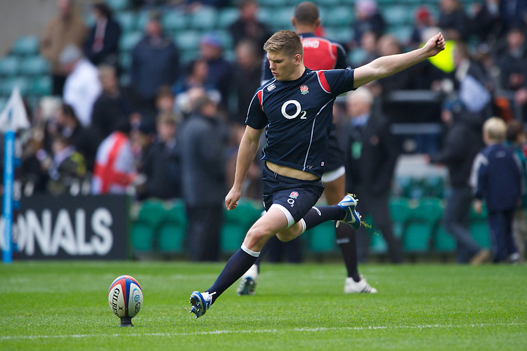 Owen Farrell of England warms up before the QBE Autumn International match between England and New Zealand at Twickenham on Saturday 01 December 2012 (Photo by Rob Munro)