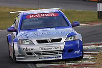 Round 7 of the 2002 British Touring Car Championship. #17 Tom Chilton (GBR). Barwell Motorsport. Vauxhall Astra Coupé.