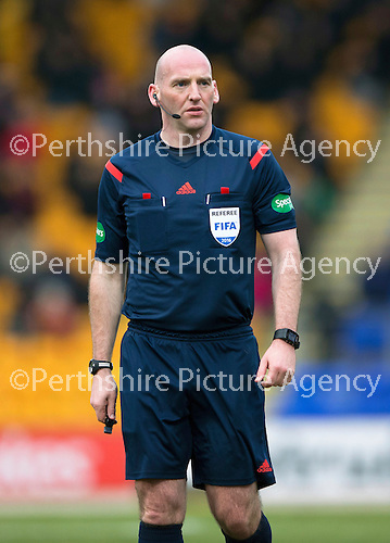 St Johnstone v Motherwell…20.02.16   SPFL   McDiarmid Park, Perth<br />Referee Bobby Madden<br />Picture by Graeme Hart.<br />Copyright Perthshire Picture Agency<br />Tel: 01738 623350  Mobile: 07990 594431