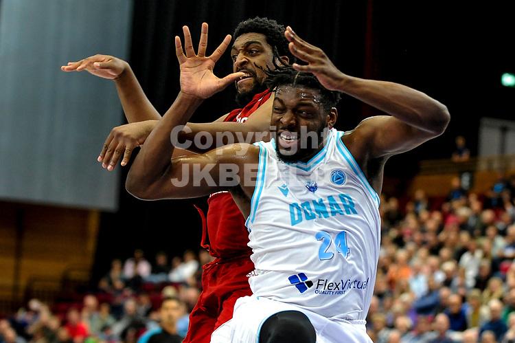 GRONINGEN - FIBA Basketbal-bubbel. finale, Donar - Lisboa Benfica seizoen 2021-2022, 01-10-2021, Donar speler Lotanna Nwogbo