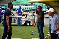 MONTERIA - COLOMBIA, 11-11-2020: Luis Amaranto Perea, tecnico de Atletico Junior y Alberto Suarez, tecnico de Jaguares de Cordoba F.C., durante partido entre Jaguares F. C. y Atletico Junior de la fecha 19 por la Liga BetPlay DIMAYOR 2020, en el estadio Jaraguay de Monteria de la ciudad de Monteria. /  Luis Amaranto Perea, coach of Atletico Junior and Alberto Suarez, coach of Jaguares de Cordoba F.C.,during a match between Jaguares de Cordoba F.C., and Atletico Junior, of the 19th date for the Betplay DIMAYOR League 2020 at Jaraguay de Monteria Stadium in Monteria city. Photo: VizzorImage / Andres Lopez  / Cont.