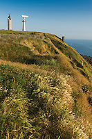 France, Pas-de-Calais (62), Côte d'Opale , Audinghen, Cap Gris-Nez, promenade sur la falaise vers le phare  // France, Pas de Calais, Cote d'Opale (Opal Coast)  , Audinghen, Cap Gris Nez, walk along the cliff to the lighthouse