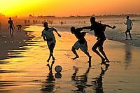Jogo de futebol na Ilha Goree. Dacar. Senegal. 2010. Foto de Caio Vilela.