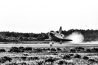 Space Shuttle  Endeavor, STS 89 Mission, lands at Kennedy Space Center on January 31,  1998, at Kennedy Space Center, Titusville, FL, carry her crew of 8 including Commander Terrence W. Wilcutt, Pilot Joe F. Edwards, Jr., Payload Commander Bonnie J. Dunbar, Mission Specialists Michael P. Anderson, James F. Reilly, Salizhan Shakirovich Sharipov and Andrew S. W. Thomas.  (Photo by Brian Cleary/bcpix.com)