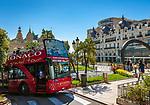 Fuerstentum Monaco, an der Côte d'Azur, Stadtteil Monte Carlo: sightseeing Doppeldeckerbus vorm Casino Monte-Carlo | Principality of Monaco, on the French Riviera (Côte d'Azur), district Monte Carlo: sightseeing double-decker bus in front of Casino Monte-Carlo