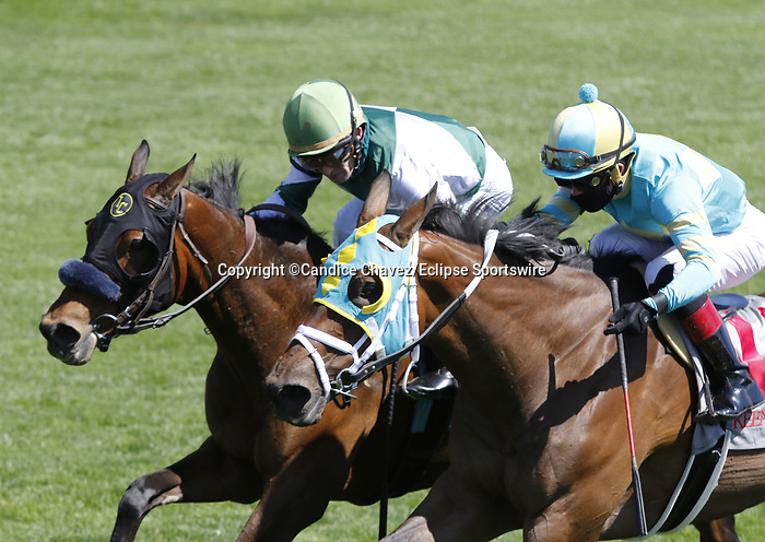 April 03, 2021: Empress Eleanor #9 ridden by James Graham and Enjoyitwhilewecan #11 ridden by Joel Rosario  dead heat to win the fourth race, an allowance for three-year-olds on Blue Grass Stakes Day at Keeneland Race Course in Lexington, Kentucky on April 03, 2021. Candice Chavez/Eclipse Sportswire/CSM