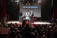 """Der ehemalige Praesident Brasiliens, Luiz Inacio Lula da Silva sprach am Dienstag den 10. Maerz 2020 in Berlin auf einer Veranstaltung der Friedrich Ebert Stiftung und der Gewerkschaft IG Metall vor ca. 600 Menschen. <br /> Sein Thema war """"Verteidigung der Demokratie in Brasilien"""".<br /> Im Bild vlnr.: João Paulo Rodrigues von der Landlosenbewegung Movimento dos Trabalhadores Rurais Sem-Terra (MST); Bárbara Santos, Schauspielerin, Theaterdirektorin, Autorin und Wissenschaftlerin; Lula da Silva.<br /> 10.3.2020, Berlin<br /> Copyright: Christian-Ditsch.de<br /> [NUR FUER REDAKTIONELLE ZWECKE! Werbung nur auf Anfrage beim Fotografen. Inhaltsveraendernde Manipulation des Fotos nur nach ausdruecklicher Genehmigung des Fotografen. Vereinbarungen ueber Abtretung von Persoenlichkeitsrechten/Model Release der abgebildeten Person/Personen liegen nicht vor. NO MODEL RELEASE! Don't publish without copyright Christian-Ditsch.de, Veroeffentlichung nur mit Fotografennennung, sowie gegen Honorar, MwSt. und Beleg. Konto: I N G - D i B a, IBAN DE58500105175400192269, BIC INGDDEFFXXX, Kontakt: post@christian-ditsch.de<br /> Bei der Bearbeitung der Dateiinformationen darf die Urheberkennzeichnung in den EXIF- und  IPTC-Daten nicht entfernt werden, diese sind in digitalen Medien nach §95c UrhG rechtlich geschuetzt. Der Urhebervermerk wird gemaess §13 UrhG verlangt.]"""
