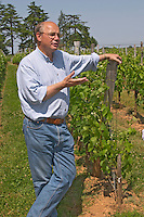 Jean-Francois Quenin, owner and wine maker, in the vineyard  Chateau de Pressac St Etienne de Lisse  Saint Emilion  Bordeaux Gironde Aquitaine France