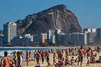 19/07/2020 - MOVIMENTO NA PRAIA DO LEME NO RIO DE JANEIRO