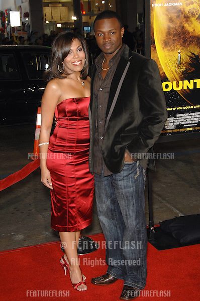 """SEAN PATRICK THOMAS & wife AONIKA LAURENT at the US premiere of his new movie """"The Fountain"""" at Grauman's Chinese Theatre, Hollywood..November 11, 2006  Los Angeles, CA.Picture: Paul Smith / Featureflash"""