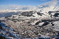 Europe/France/Rhone-Alpes/74/Haute-Savoie/Megève: la station et le massif du Mont-Blanc -Vue Aérienne