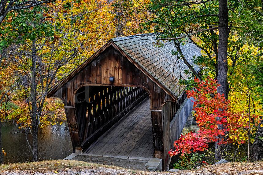 New England College Covered Bridge, Henniker, New Hampshire, USA.