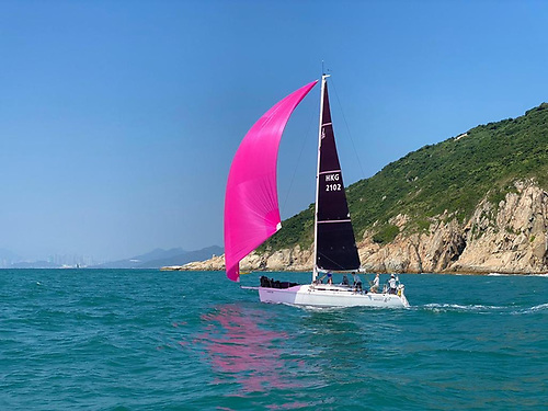 J109 Whiskey Jack - the original aluminium mast with one made of carbon manufactured by Axxon Photo: Guy Nowell