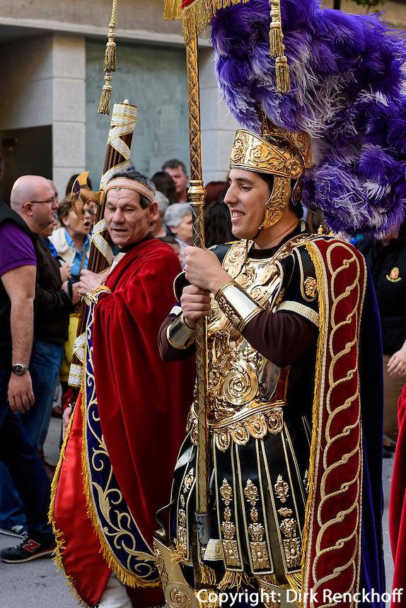 Römische Legionäre der Bruderschaft Paso Morado bei  der Semana Santa (Karwoche) in Lorca,  Provinz Murcia, Spanien, Europa